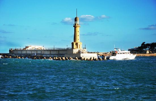 Helnan Palestine Hotel: view of a lighthouse from the edge of the property