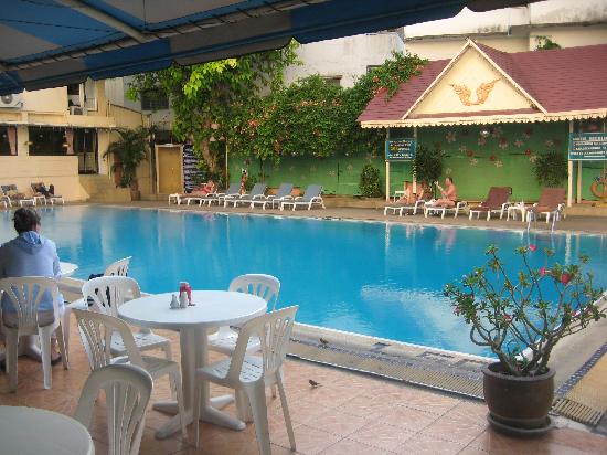 Hotel Beverly Plaza Pattaya: Swimming pool of Beverly Plaza