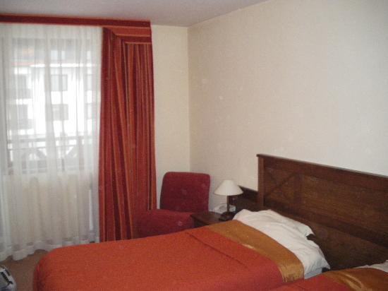 Evelina Palace: bedroom