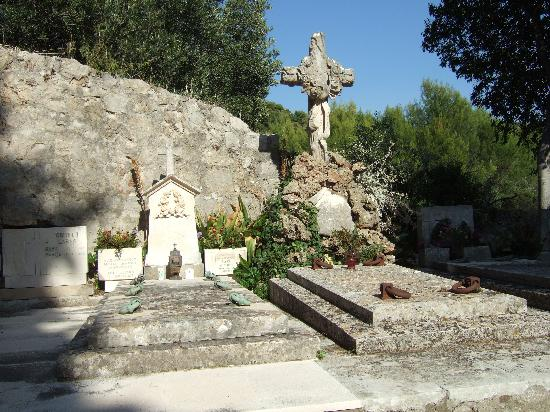 Churchyard - Lopud Island