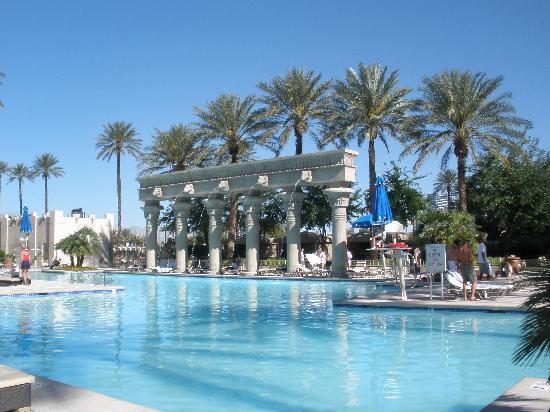 Pool view picture of luxor las vegas las vegas - Luxor hotel las vegas swimming pool ...
