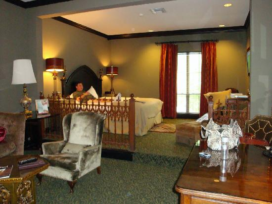 Hotel Zaza Themed Rooms