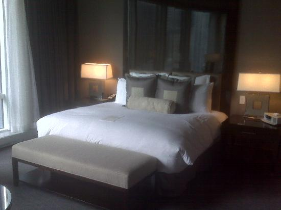 Trump International Hotel & Tower Chicago: Bed