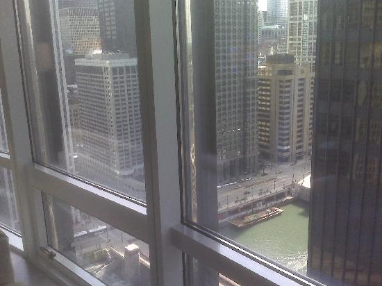 Trump International Hotel & Tower Chicago: River view