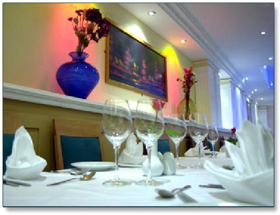 Hason Raja Indian and Bangladeshi Restaurant and Takeaway: Table