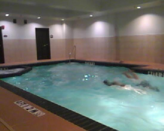 Comfort Suites Tomball: Indoor swimming pool area