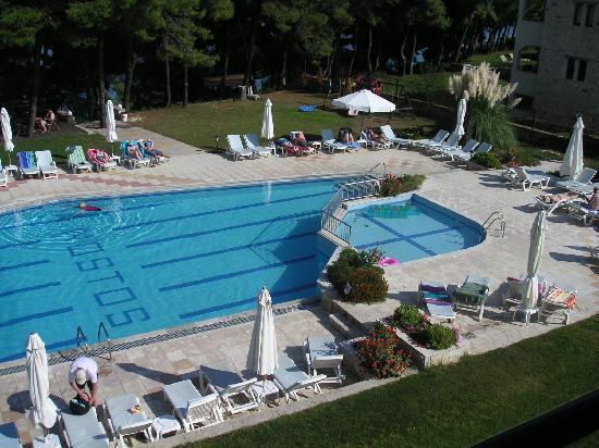 Nostos Hotel: View from 2nd floor room