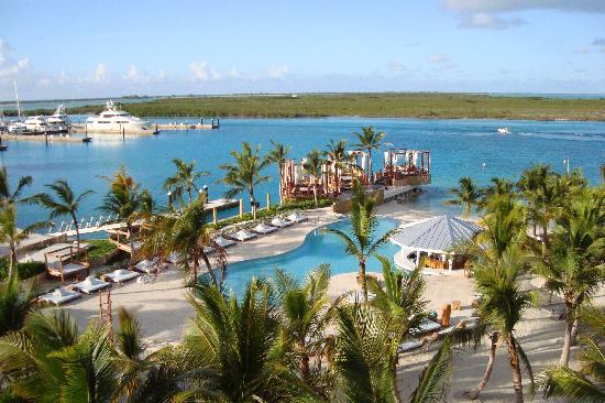 Blue Haven Resort: The water is breathtaking