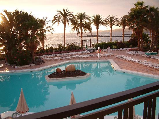 Piscina adulti foto di sol tenerife playa de las for Alberca las americas