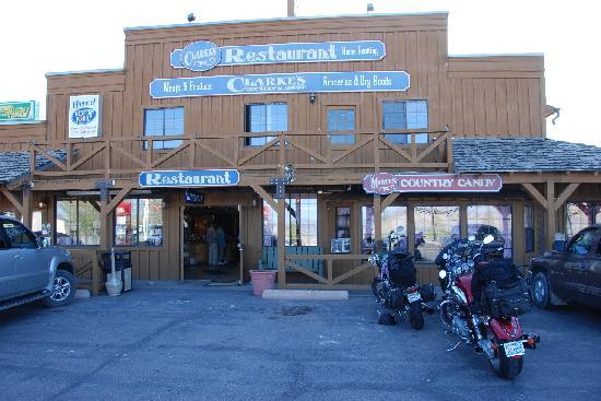 Bryce Canyon Inn: View of teh restaurant