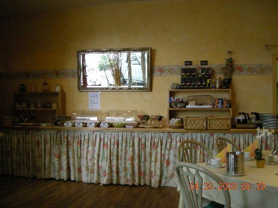 Residenz Duesseldorf Hotel: Breakfast buffet
