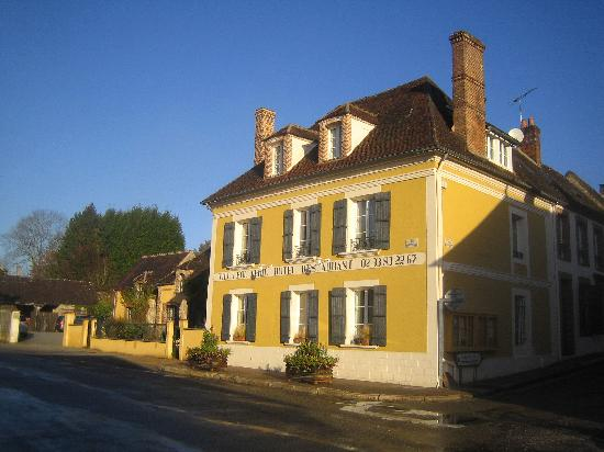Moutiers au Perche, France : Villa fol Avril