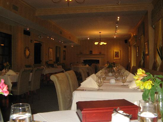 Inn at St. Peter's Village: Dining Room in the restaurant