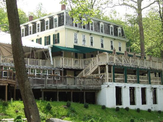 Inn at St. Peter's Village Picture