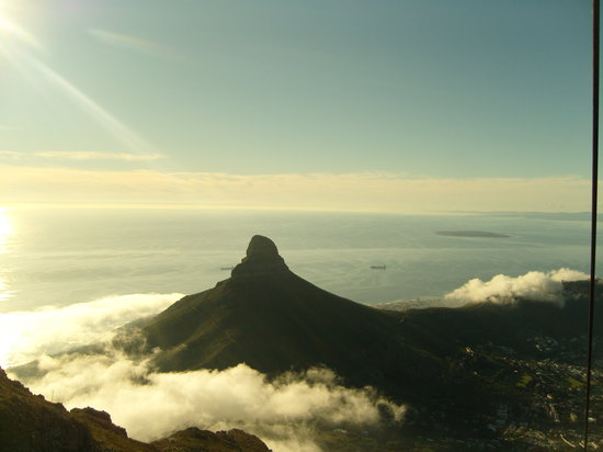 Zuid-Afrika: A Cable Car ride upto table Mountain