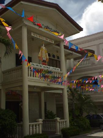 Facade of Hotel Alejandro
