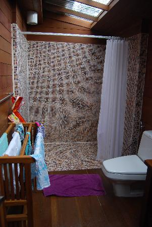 Gajapuri Resort & Spa: Bathroom