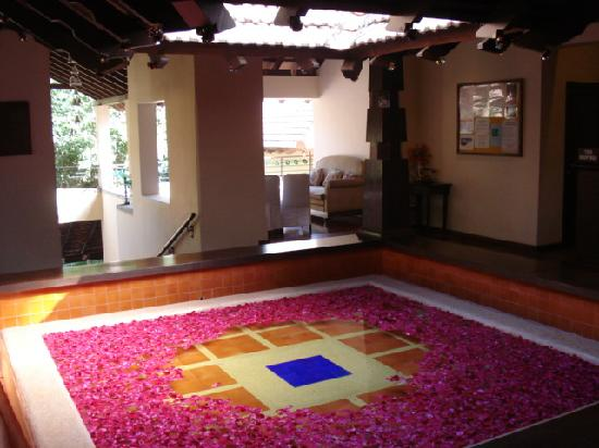 Club Mahindra Madikeri, Coorg: Beautiful tank in the reception area