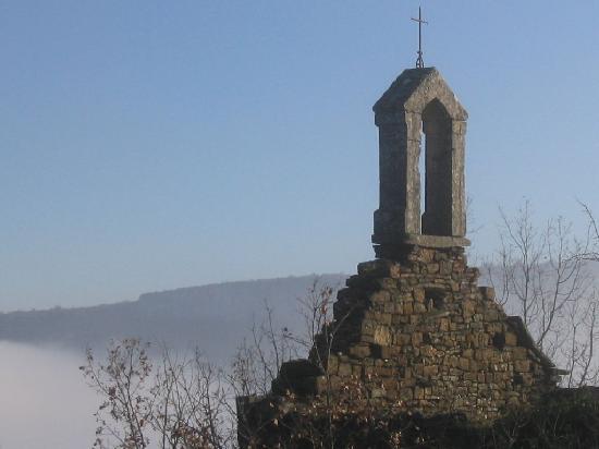 Saint-Antonin Noble Val, France: Abandoned Church on le Calvair - St Antonin Noble Val