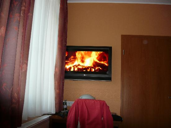 Hotel Haus Hillesheim: 'Fire' Channel