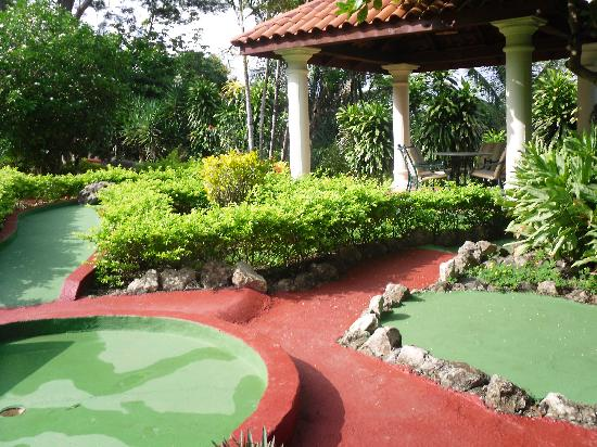 Parador Resort and Spa: Some of the mini golf course