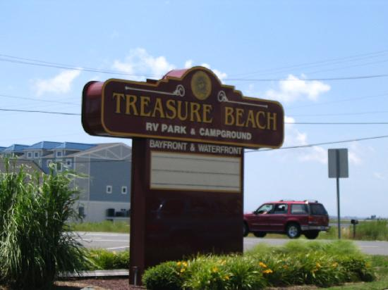 ‪‪Treasure Beach RV Park and Campground‬: The sign at the entrance‬