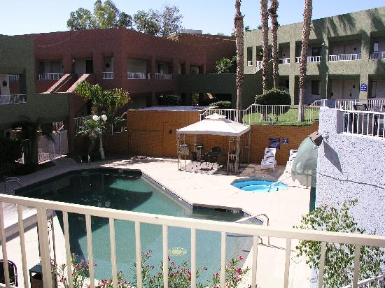 Best Western InnSuites Yuma Mall Hotel & Suites : pool