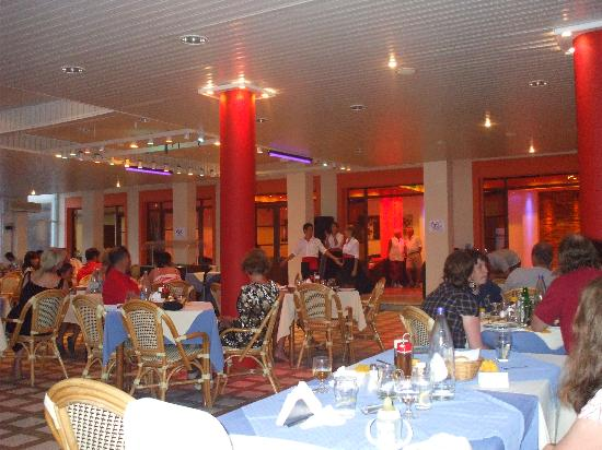 The restaurant of Belle Helene hotel