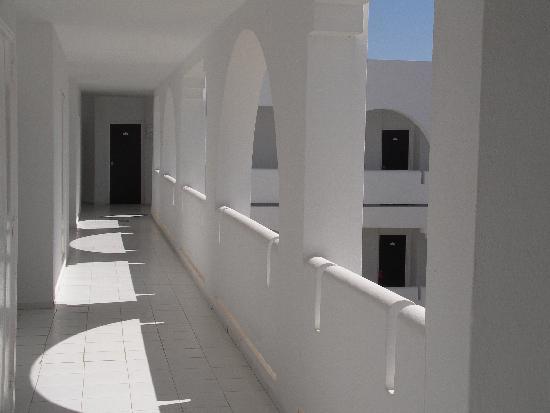 Djerba Plaza Hotel & Spa : Couloir chambres