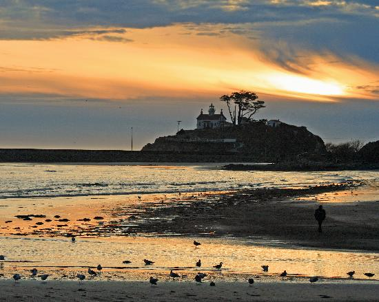 Battery Point Lighthouse, Crescent City - sunset