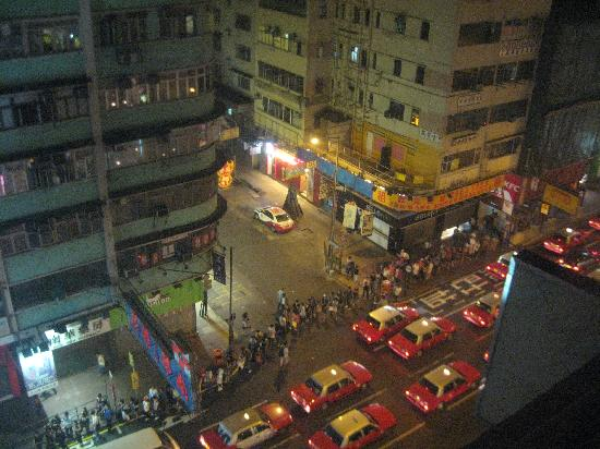 Hong Kong Budget Hostel: View of the street from the hostel room
