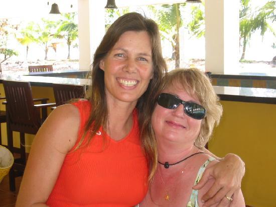 Las Lajas Beach Resort: My wife with resort manager Lisa