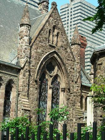 First Unitarian Church of Philadelphia: First Unitarian Church on Chestnut St ~ Side View