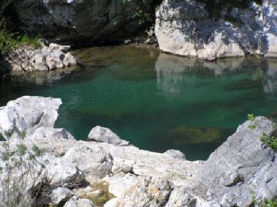 La Molinuca: Pristine River Cares, with salmon and trout
