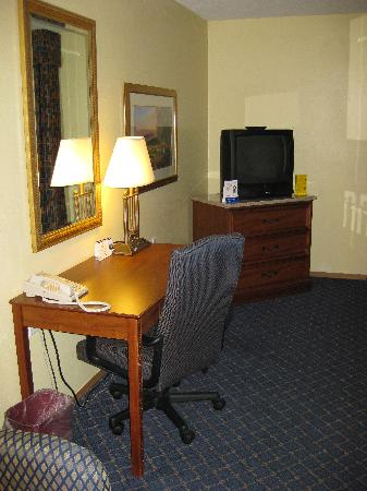 Bemidji, MN: The television and desk with chair. Wi-Fi is available at this location.