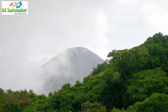 El Salvador: Volcan de Izalco