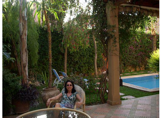 Dar El Kanoun : enjoying the garden