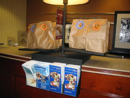 Hampton Inn & Suites Alexandria Old Town Area South: Grab and Go Breakfast at Front Desk