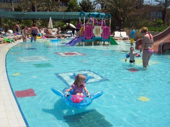 Pegasos World Hotel: kids pool my kids were never out of