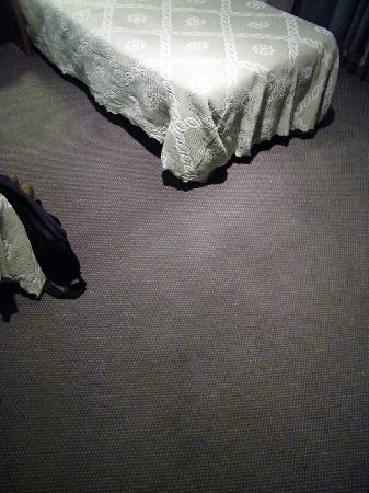 """Hotel Mirabeau : El """"colorido"""" de la alfombra"""