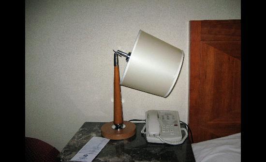 Broken lamp - Picture of Howard Johnson Albuquerque Midtown ...