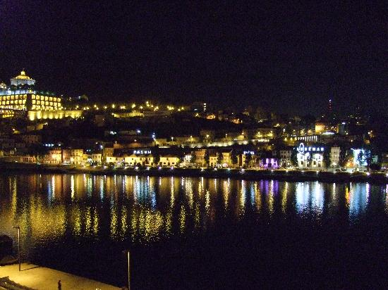Guest House Douro: Night view from our room