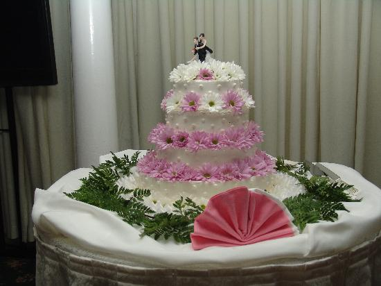 Doolan's: Wedding cake
