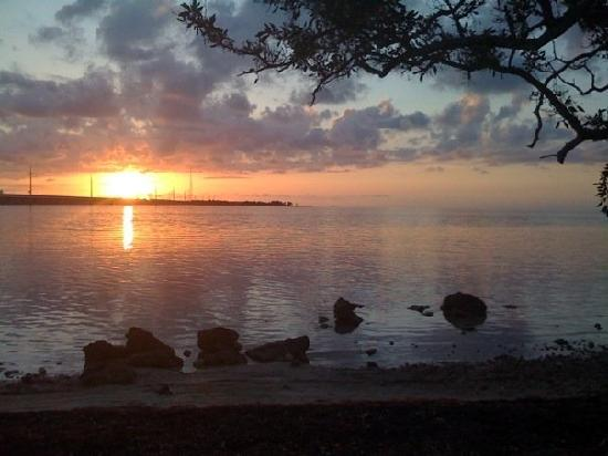 Big Pine Key Fishing Lodge: Sunrise from the primitive camping area.