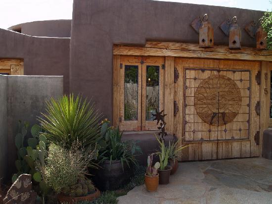 Xetava Gardens Cafe: Entrance to Xetava