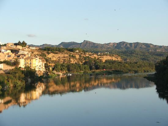 Mora d'Ebre -on the banks of the River Ebro