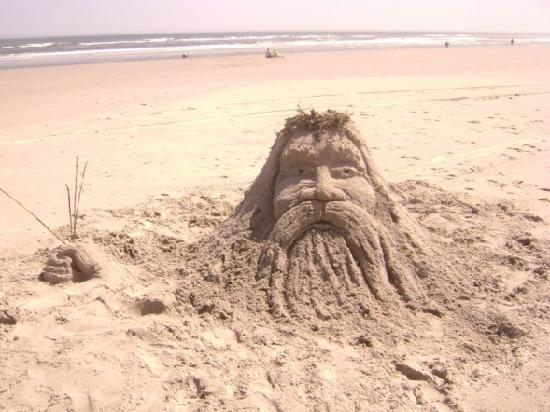 Fleur de Lis Beach Resort : great sand for sculpting