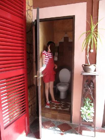 Hostal Corona : WC comunitario