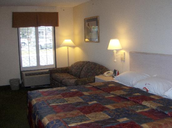 Motel 6 Savannah Midtown: guestroom