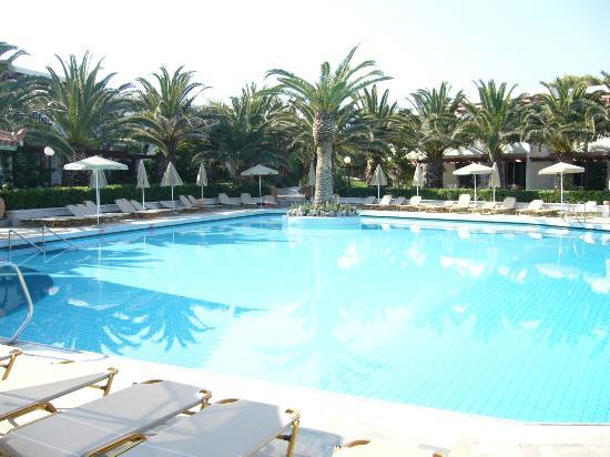 Hotel Marina: une des 3 piscines